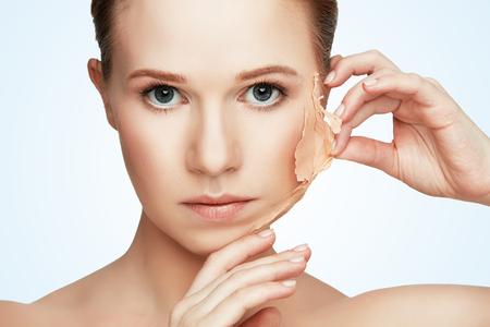 Problemas concepto de belleza de rejuvenecimiento, renovación, cuidado de la piel y de la piel Foto de archivo - 54098024