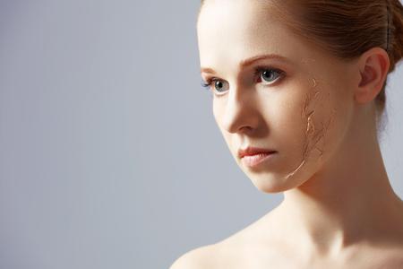 beauty concept verjonging, vernieuwing, huidverzorging en huidproblemen