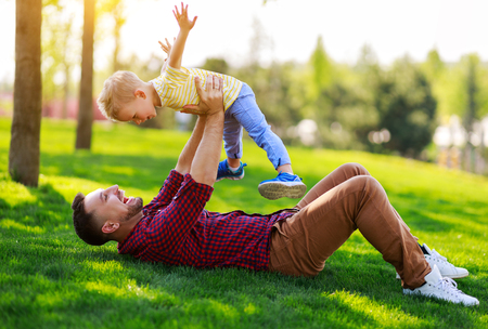 Happy family father and child son in summer nature Stok Fotoğraf
