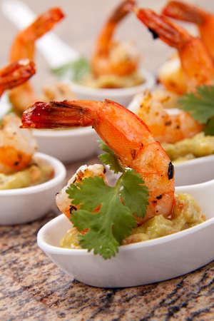 guacamole: Spicy Shrimps and Guacamole with fresh cilantro a la carte