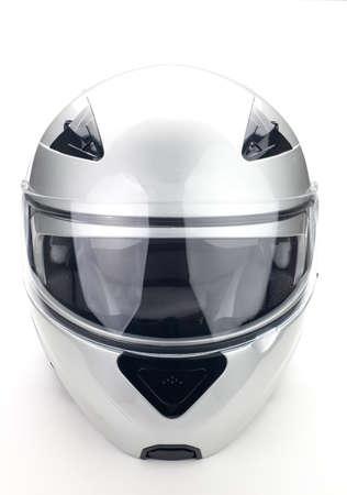 motor race: Hoge kwaliteit lichtgrijs motorfiets helm op een witte achtergrond, geïsoleerde studio.