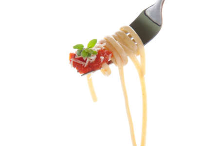 pasta fork: Healthy whole grain linguine with tomato sauce, and  parsley on fork isolated on white
