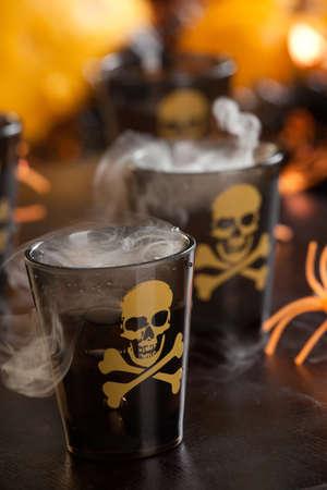 mortale: Primo piano di Colpo mortale, vodka e peperoncino - Halloween serie bevande