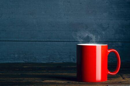 Red cup mug of tea coffee Foto de archivo