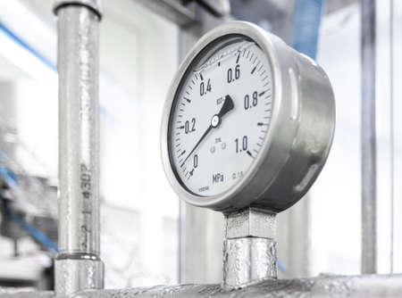 Dispositivo industrial de medida de presión - manómetro