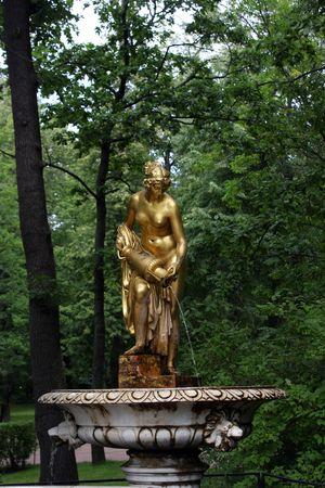 peterhof: Peterhof park statue
