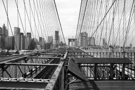 View of the Brooklyn bridge in New York Stock Photo - 7869265