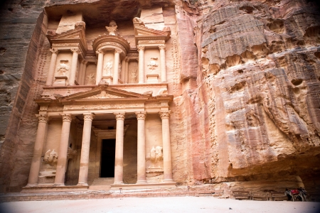 nabataean: The Treasury monument in the old Nabataean city Petra, Jordan Stock Photo