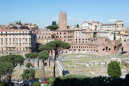 troyan: Panoramic view of Rome from Vittoriano building on the piazza Venezia, Italy