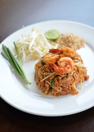 padthai: Delicious padthai with shrimp, famous Thai style noodle Stock Photo
