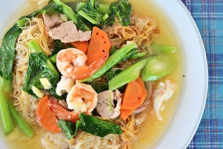 rad: Rad na fry noodle with seafood soak in gravy