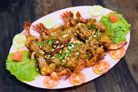 deep fry: Selective focus of deep fry shrimp in tamarind sauce, Thai food