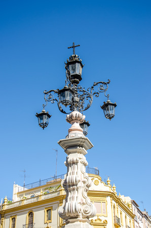 Old fashioned street lamp in Seville, Spain Imagens