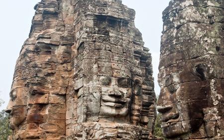 シェムリ アップ、カンボジア、アンコール ・ トムのバイヨン寺院