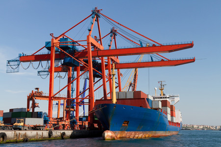 Container Ship Stock Photo - 22333088