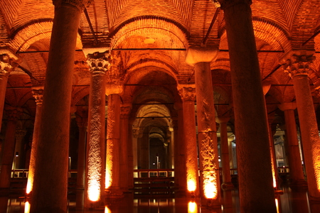 cisterna: Cisterna Bas�lica, Estambul, Turqu�a Foto de archivo