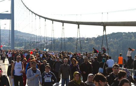 koprusu: People are crossing the Bosphorus Bridge from Asia to Europe during 35th Istanbul Eurasia Marathon Fun Run on November 17, 2013 in Istanbul, Turkey