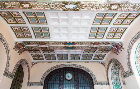 plafond: Haydarpasa Train Station in Istanbul City, Turkey