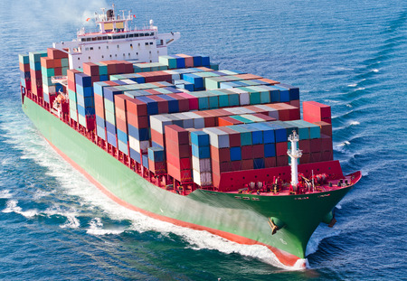 navios: Navio porta-contentores