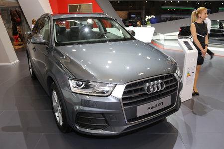 motor de carro: ESTAMBUL, Turqu�a - 21 de mayo 2015: Audi Q3 en Estambul Autoshow 2015