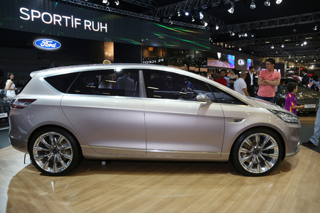30 s: ISTANBUL, TURKEY - MAY 30, 2015: Ford S-Max Vignale Concept in Istanbul Autoshow 2015