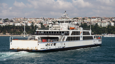 deniz: ISTANBUL, TURKEY - JULY 10, 2015: Istanbul Deniz Otobusleri ferry passing from European to Asian side of Istanbul. 18 ferries in 3 different types carry passengers and vehicles between Sirkeci and Harem.