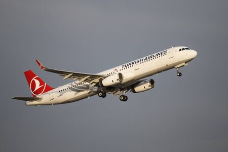 tk: ISTANBUL, TURKEY - NOVEMBER 21, 2015: Turkish Airlines Airbus A321-231 (CN 6758) takes off from Istanbul Ataturk Airport. THY is the flag carrier of Turkey with 299 fleet size and 280 destinations