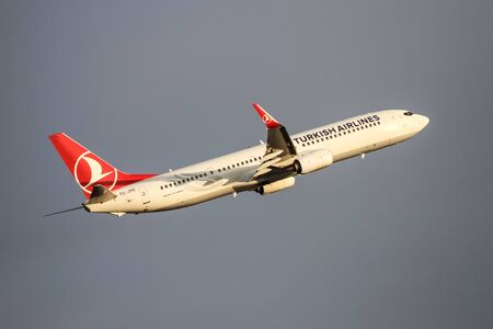 tk: ISTANBUL, TURKEY - NOVEMBER 21, 2015: Turkish Airlines Boeing 737-9F2ER (CN 409773948) takes off from Istanbul Ataturk Airport. THY is the flag carrier of Turkey with 299 fleet size and 280 destinations