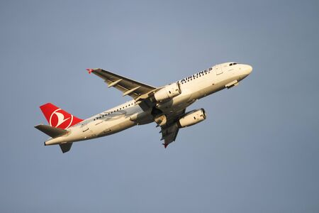 tk: ISTANBUL, TURKEY - NOVEMBER 21, 2015: Turkish Airlines Airbus A321-232 (CN 2934) takes off from Istanbul Ataturk Airport. THY is the flag carrier of Turkey with 299 fleet size and 280 destinations Editorial