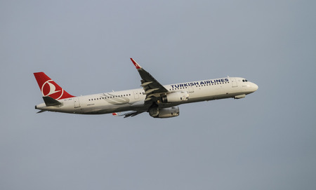 thy: ISTANBUL, TURKEY - NOVEMBER 21, 2015: Turkish Airlines Airbus A321-231 (CN 6709) takes off from Istanbul Ataturk Airport. THY is the flag carrier of Turkey with 299 fleet size and 280 destinations