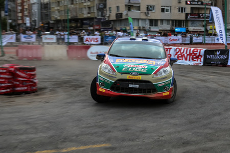 ralli: KOCAELI, TURKEY - AUGUST 22, 2015: Umit Can Ozdemir with Ford Fiesta R2 of Castrol Ford Team Turkiye in special stage of Kocaeli Rally 2015