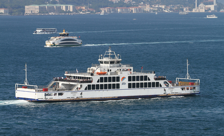 deniz: ISTANBUL, TURKEY - JULY 30, 2016: Istanbul Deniz Otobusleri ferry carry passangers  between Asian and European sides of Istanbul. 18 ferries in 3 types carry passengers between Sirkeci and Harem. Editorial