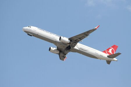 thy: ISTANBUL, TURKEY - OCTOBER 08, 2016: Turkish Airlines Airbus A321-231 (CN 6709) takes off from Istanbul Ataturk Airport. THY is the flag carrier of Turkey with 334 fleet size and 292 destinations Editorial