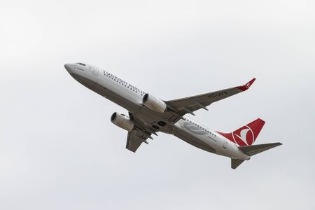 thy: ISTANBUL, TURKEY - OCTOBER 08, 2016: Turkish Airlines Boeing 737-8F2 (CN 5911) takes off from Istanbul Ataturk Airport. THY is the flag carrier of Turkey with 334 fleet size and 292 destinations Editorial