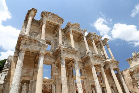 Biblioteca de Celso en Éfeso Ciudad Antigua, en Izmir, Turquía Foto de archivo - 84496765