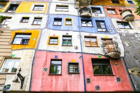 Hundertwasserhaus in Landstrabe District, Vienna City, Austria Banco de Imagens