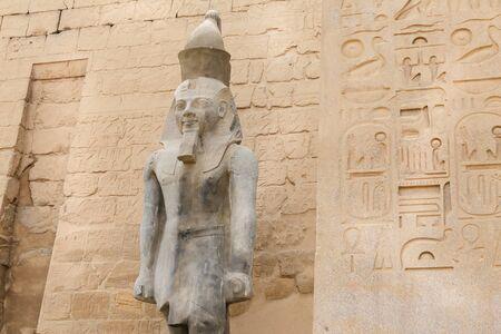 Sculpture in Luxor Temple in Luxor City, Egypt 版權商用圖片