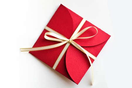 아름 다운 크리스마스 빨간 봉투 선물 화이트 절연 스톡 콘텐츠