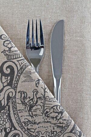 Mes en vork op linnen met de Franse vintage design Stockfoto