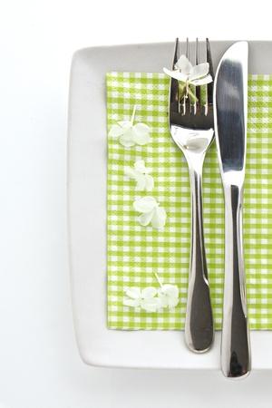 Lente tafel plaats instelling met mes en vork Stockfoto