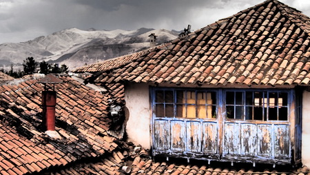 cusco: Run down buildings in Cusco