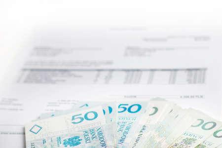 finanse: Polskie pieniądze na fakturze Stock Photo