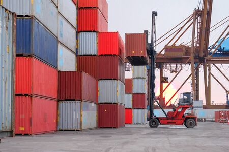 Container handlers And international transportation of goods, views on trade