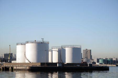 cisterne: Serbatoi di stoccaggio dei prodotti petroliferi nel porto di Aberdeen