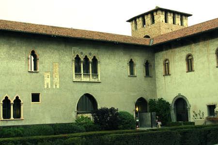 vechio: Castel Vechio 2 Editorial