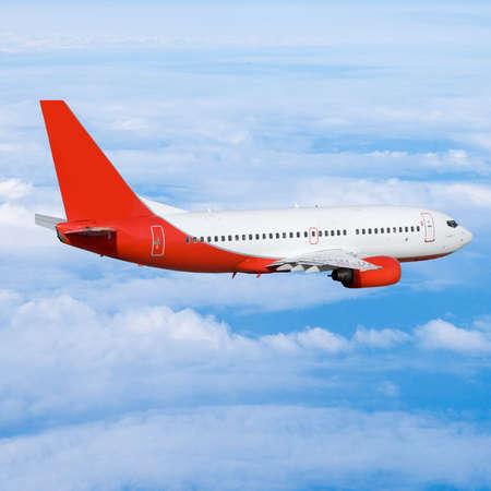 airliner: plane