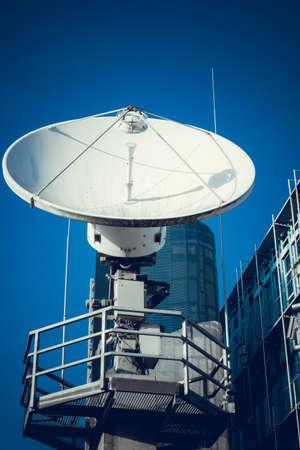 antena parabolica: Parab�lica. Telecomunicaciones por Sat�lite