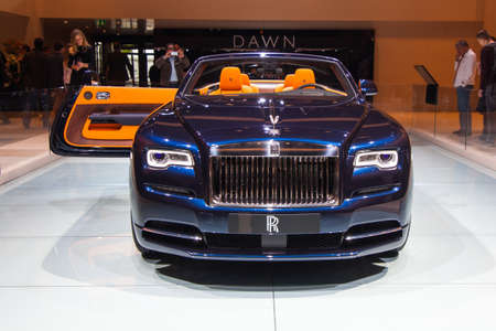 luxe: FRANKFURT, GERMANY - SEP 23: Rolls Royce Wraith at the IAA motor show on Sep 23, 2015 in Frankfurt. More than 1.000 exhibitors from 35 countries are present at the worlds largest motor show