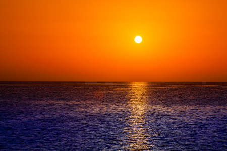 sunrise ocean: sunrise in the sea. beauty landscape. Wonderful sunrise