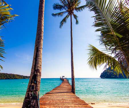 island paradise: Tourism Concept. Old wooden pier. paradise island